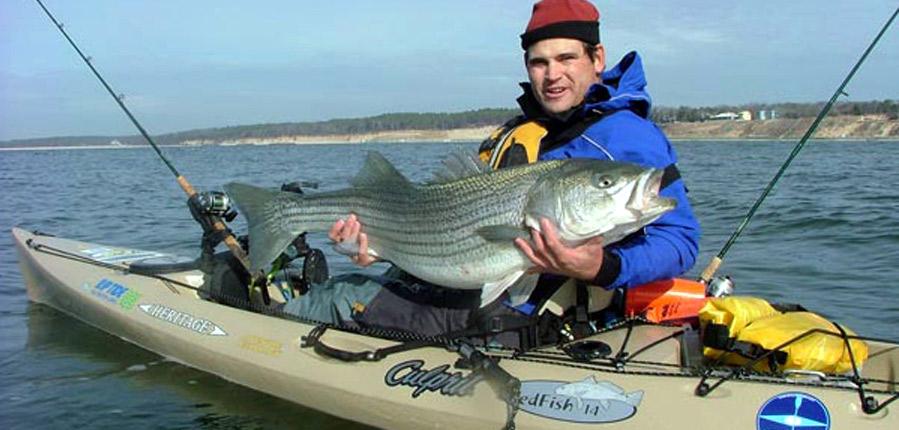 Galer a de fotograf as de pesca en kayak for Best bass fishing kayak